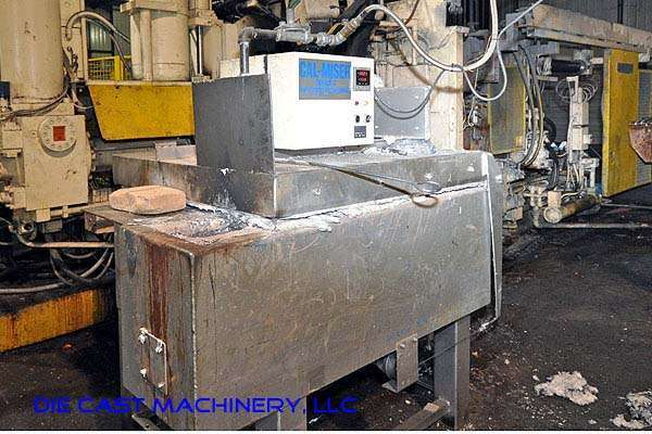 2700 pound capacity, gas holding furnace