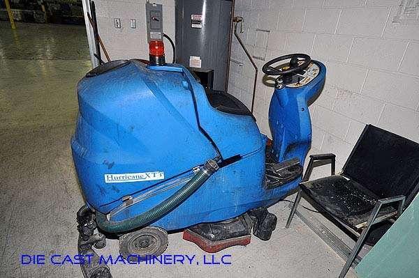 Used Hurricane Riding Automatic Floor Scrubbing Machine DCM - Used riding floor scrubber for sale