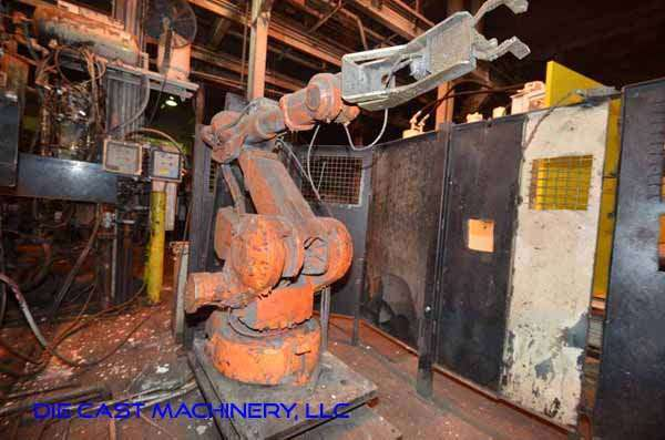 Picture of ABB IRB 4400 Six Axis Foundry Rated Industrial Robot with Extractor Package/Gripper for Extracting Die Castings For Sale DCMP-3339