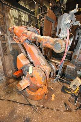 Picture of ABB IRB 4400 Six Axis Foundry Rated Industrial Robot with Extractor Package/Gripper for Extracting Die Castings For Sale DCMP-3861