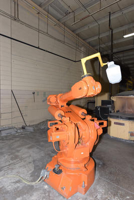 Picture of ABB IRB 6400/2.5 200 Six Axis Foundry Rated Industrial Robot For Sale DCMP-4225