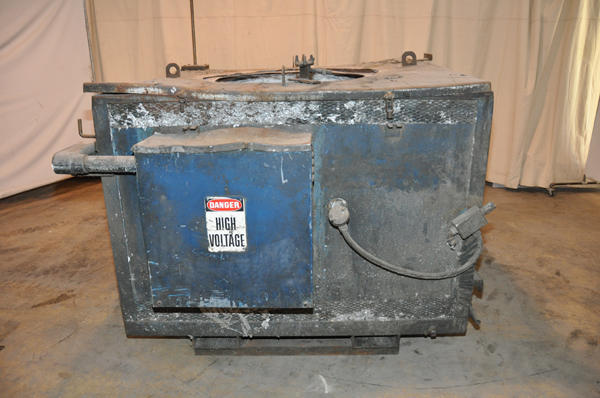 Picture of Dynarad Electric Heated Silicon Carbide Crucible Type Aluminum Melting & Holding Furnace DCMP-4226