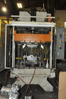 Picture of Parker Hannifin Upgraded with Metal Mechanics Hydraulic Package PH-40 Four Column (Post) Vertical Hydraulic Die Casting Trim Press For Sale DCMP-4293