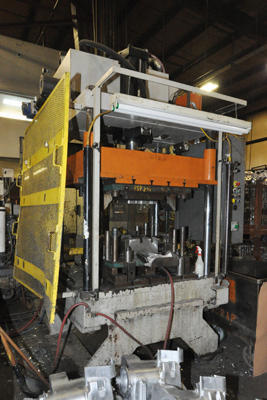 Picture of Parker Hannifin Upgraded with Metal Mechanics Hydraulic Package Four Column (Post) Vertical Hydraulic Die Casting Trim Press DCMP-4293
