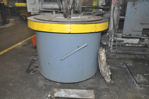 Picture of Dynarad Electric Heated Silicon Carbide Crucible Type Aluminum Melting & Holding Furnace DCMP-4304