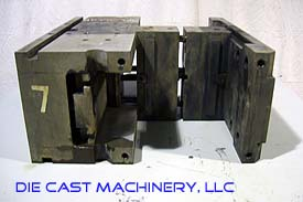 DME Double Unit Hot Chamber Die Holder